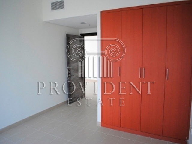 Lakeside Residence, JLT - Built in Wardrobes