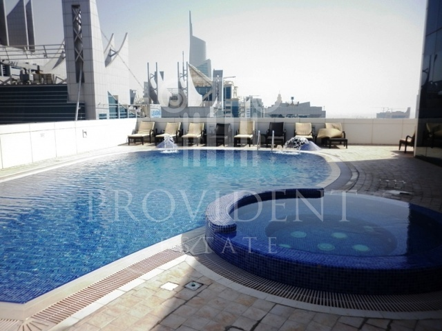 Shared pool - Saba Tower 3, JLT