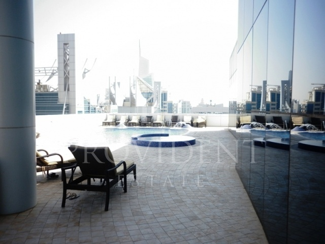 poolside - Saba Tower 3, JLT